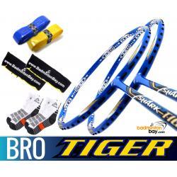 Bro Package SHARK TIGER: 2x Abroz Shark Tiger Badminton Racket + 2 pcs Karakal Grips + 2 Velvet Bags + 2 pairs socks