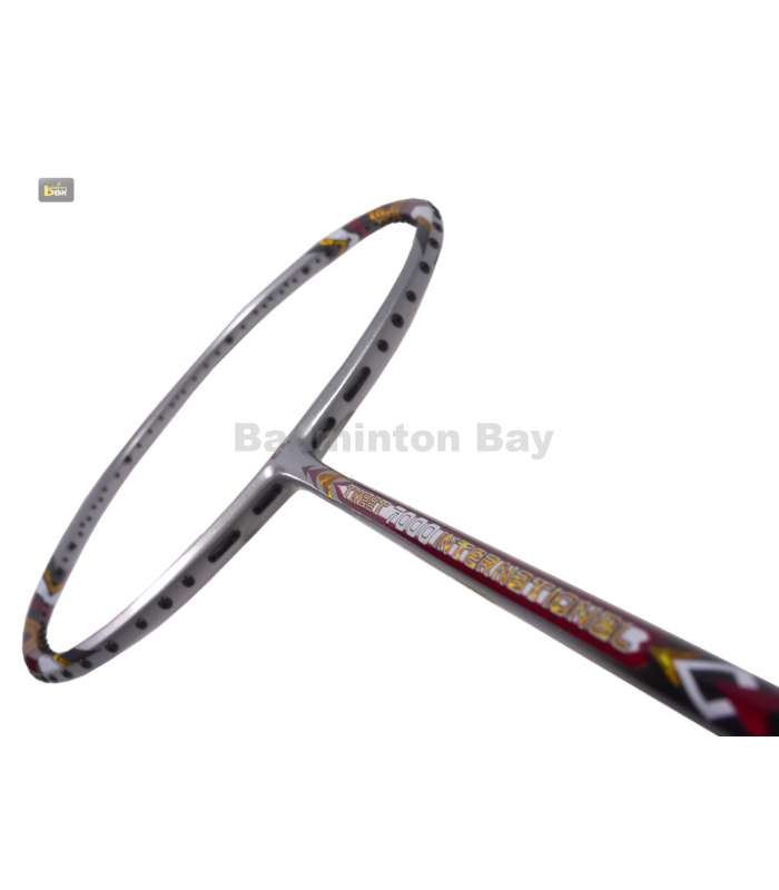 ~Out of stock Apacs Tweet 7000 International Badminton Racket (3U)